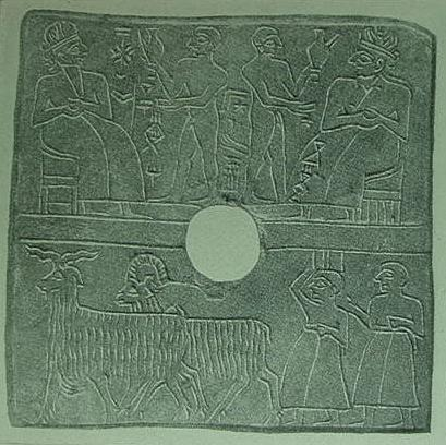 who accompanies the naked men presenting the harvest to the goddess Inanna.